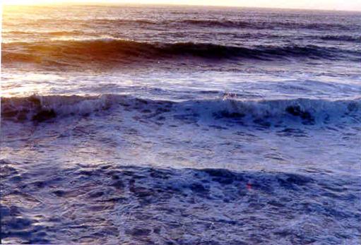 hb080w-hermosa-storm-waves-8