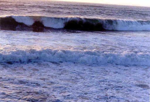 hb100w-hermosa-storm-waves-10