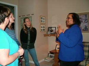 Middletown, Del., Girl Scout Troop parents Discuss Domestic Violence