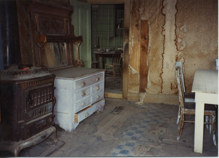 Church-House Room-Store 1