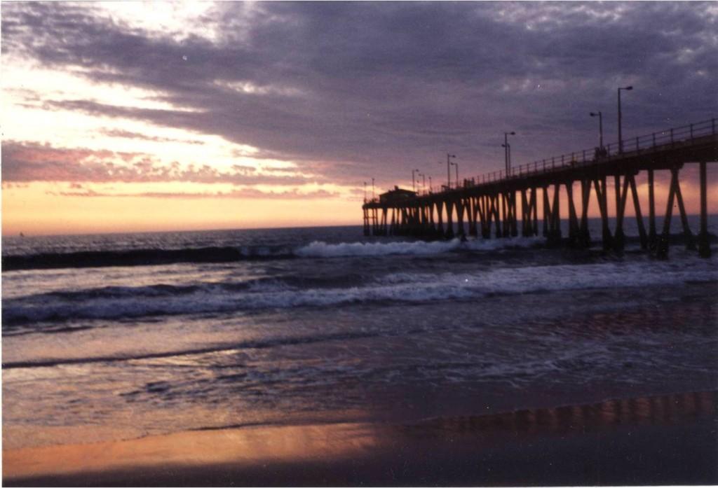 Hermosa Pier III 400