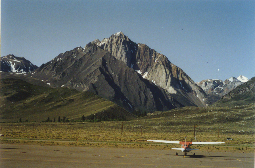 Mammoth Airport MM002